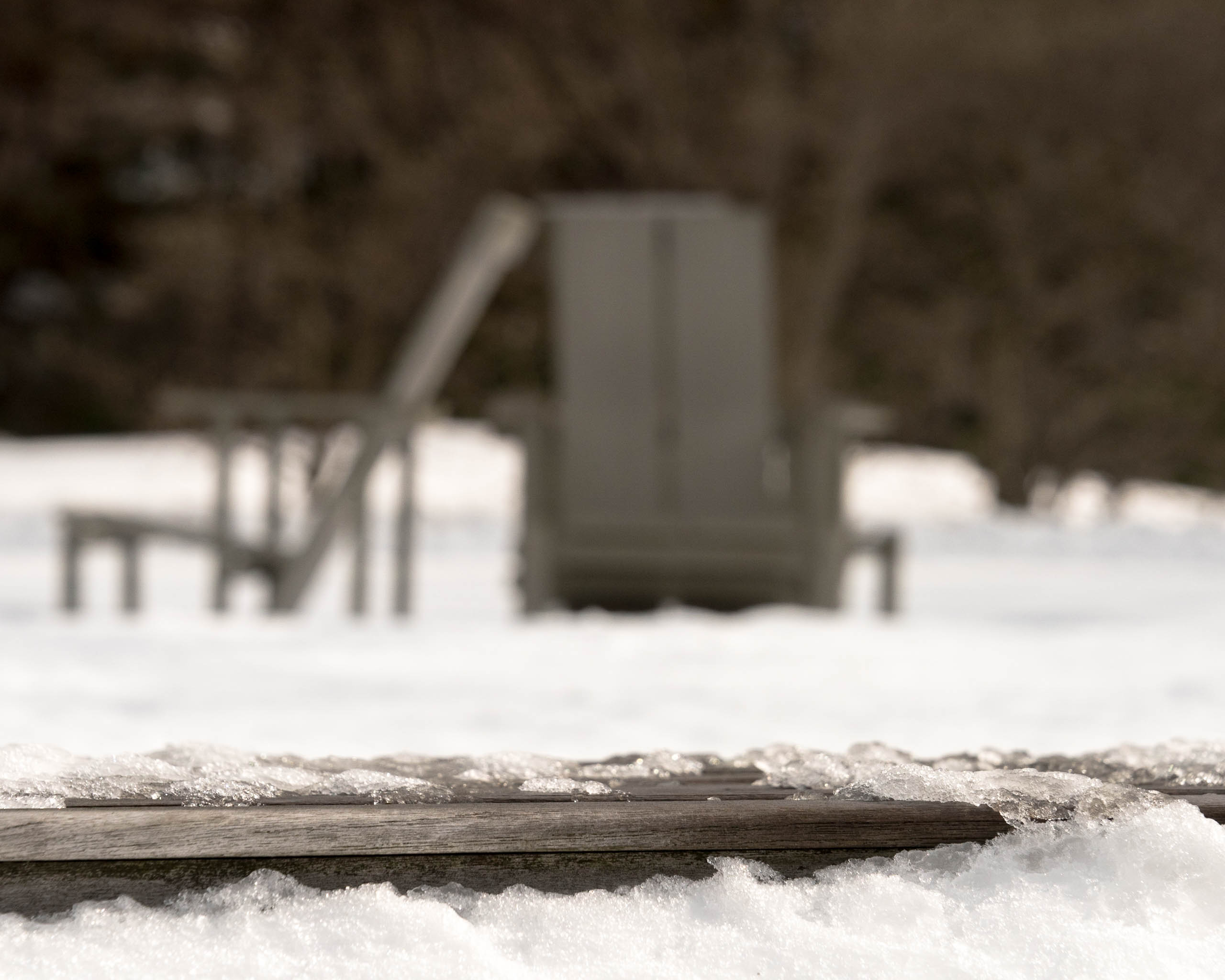 Wave_Hill_bench_in_snow_with_three_chairs-1